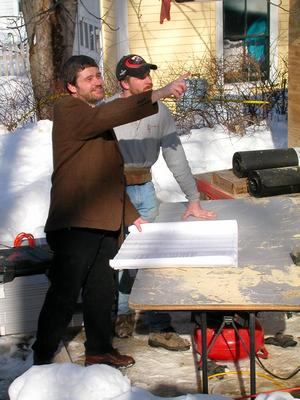 Working_with_a_lead_carpenter